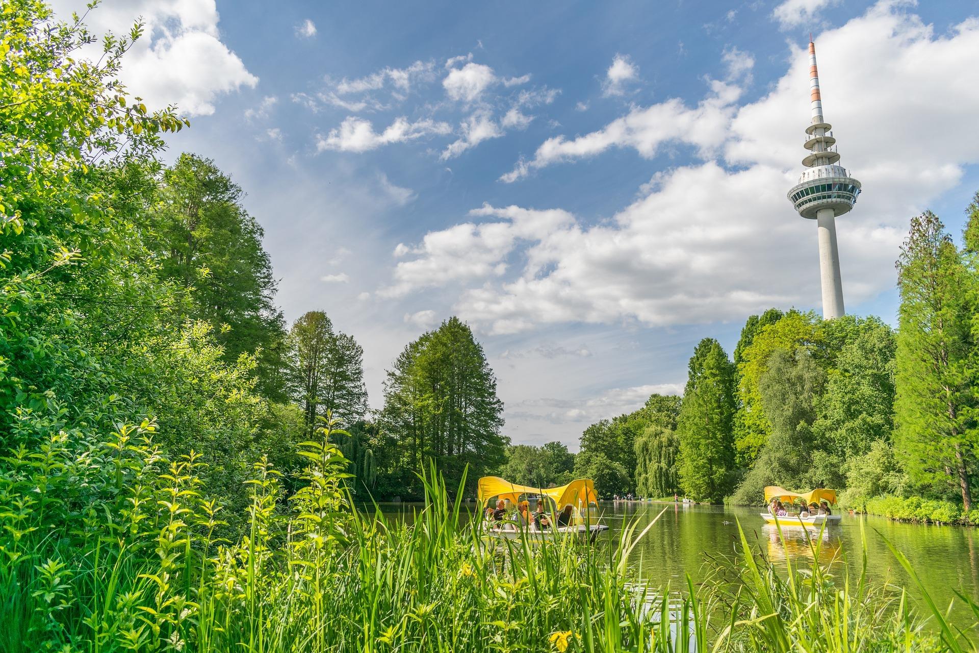 Luisenpark mit Fernmeldeturm